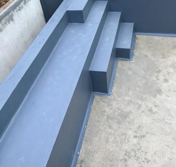 Piscine Étanchéité PVC Armé / liner renforcé Escalier avec volet
